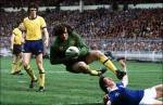 Pat Jennings in action for Arsenal. The player on left is Dublin born Dave O'Leary