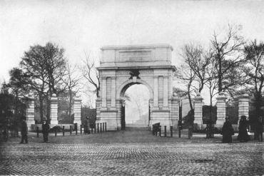 Memorial Arch Stephen's Green Dublin