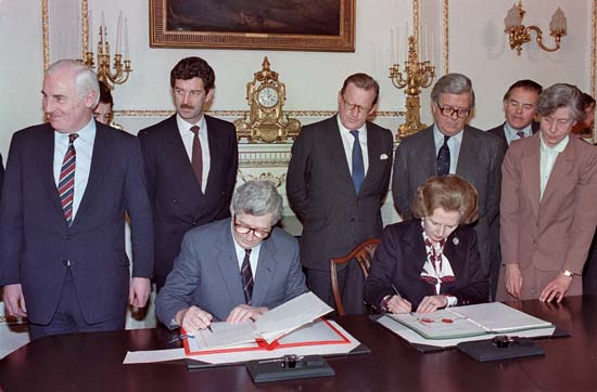 Signing of Anglo Irish Agreement 1985